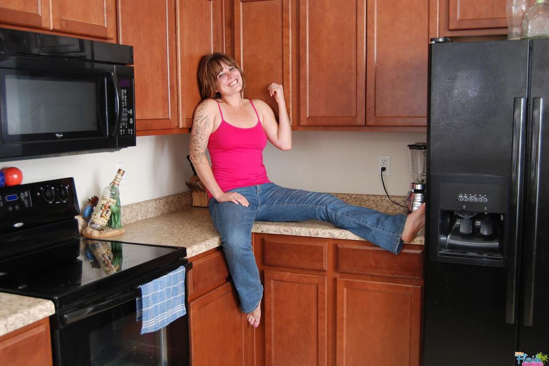 Amateur Milf Misty Summer Stripping In Kitchen