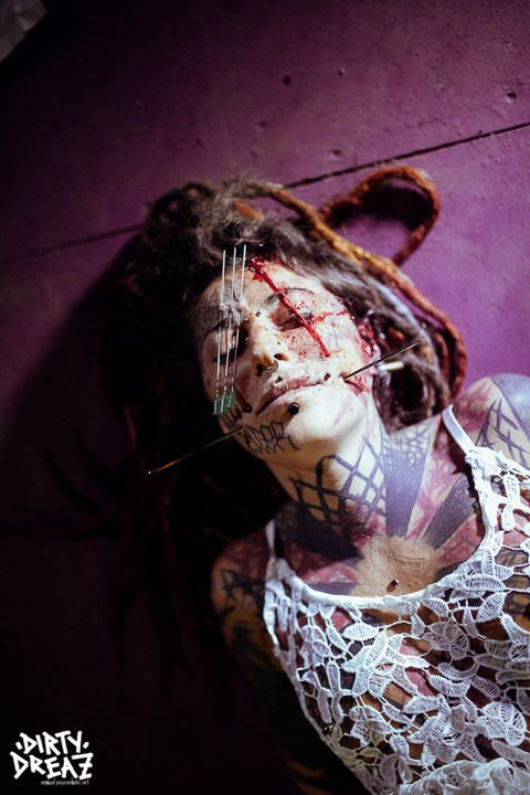 Bloody Julietz in her element - A intense erotic face cut and modification