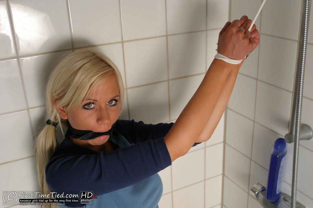 Cecilia tied up and cleave gagged in the bathroom - 3