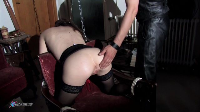 Submissive Yasemin Does Everything For Her Dom