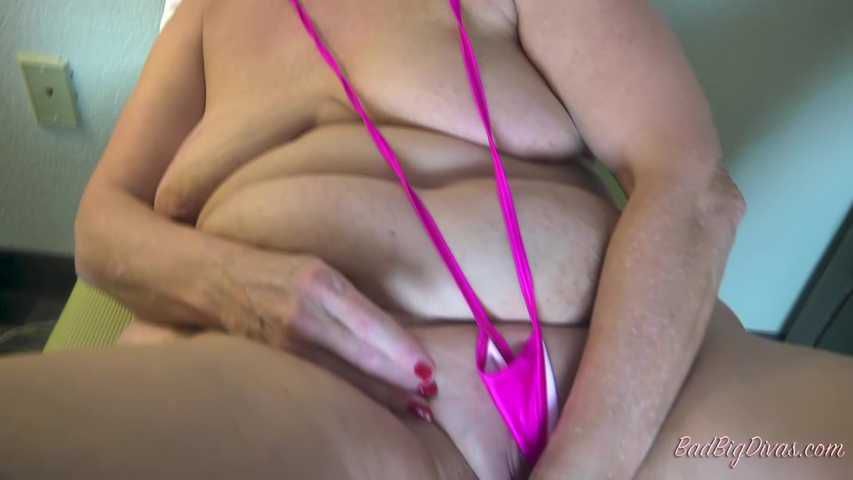 MASSIVE ASS PRYING - AMBERCONNERS Clip 2