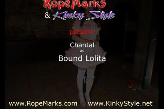 Chantal von RopeMarks als gefesselte Lolita