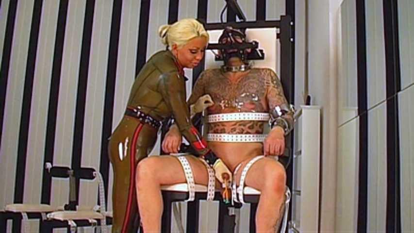 Rubber Goddess Kate - Punischmend on the Fuck Chair