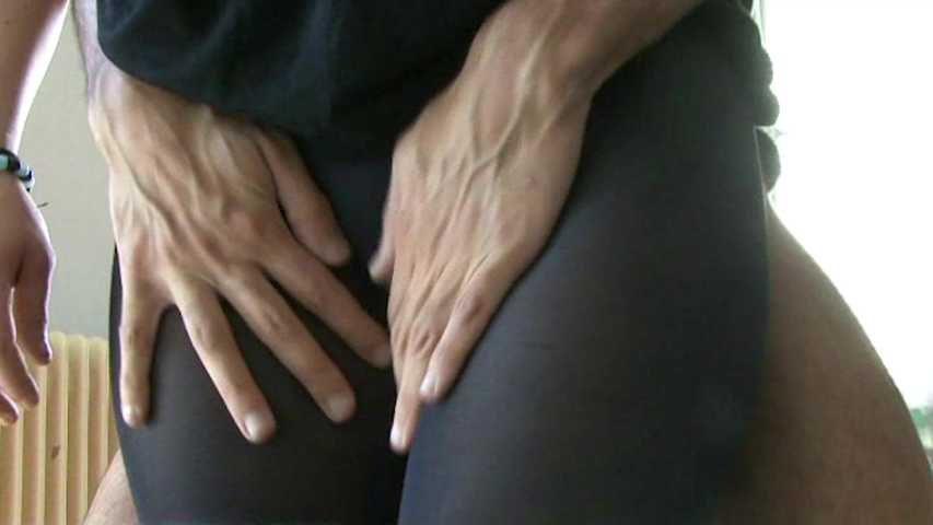 13 Black Nylon Pantyhose Spielhub Cum auf Nylon