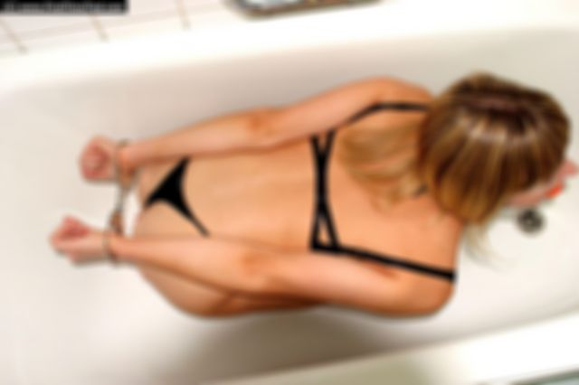 ANKI HANDCUFFED IN THE BATHTUB