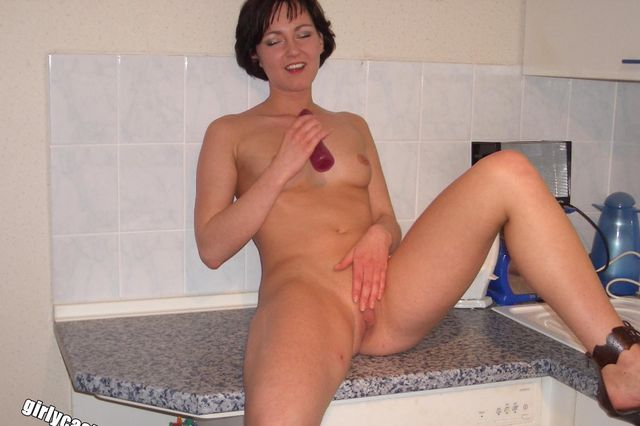 Lisa's first nude & dildo shoot