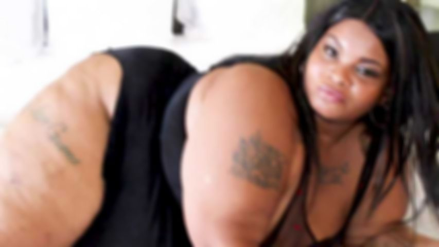 BIG LUSCIOUS DIVAS - CARMEL SQUIRTZ - Director's Cut