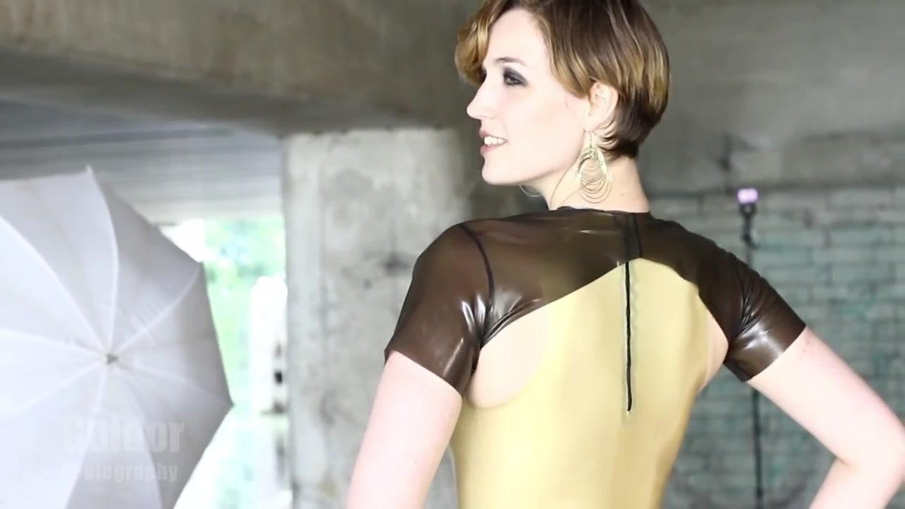 Luna Latex Video