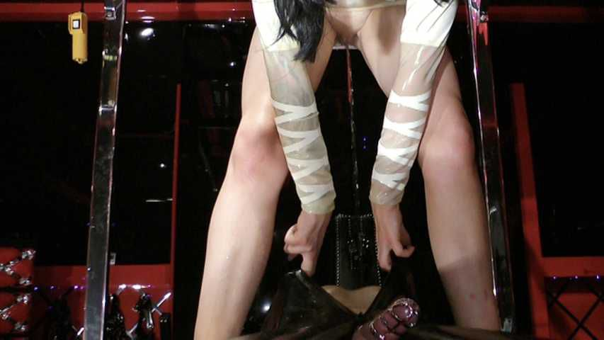 Lady Ashley - Rubber Slave goes Mad