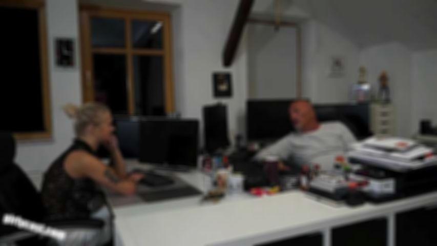 Lia & Kathi - The fucking job interview!