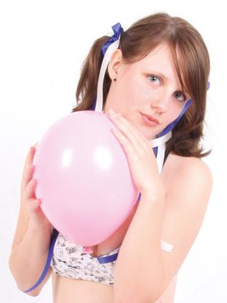 Sweet teen Jennin second Balloon shoot