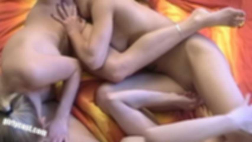 Katharina, Janina & Anna - First lesbian threesome
