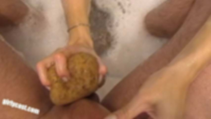 Nina & Andy - Private XXX bathing fun