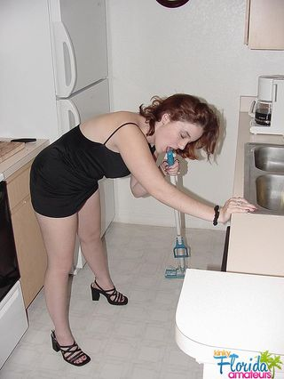 Teen Cindy Sticking A Mop Handle And Vegies Into Her Pussy And Ass