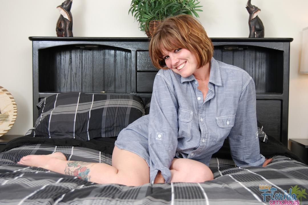 Redhead Kinky Amateur Milf Misty Summer Stripping Out Of Her Shirt