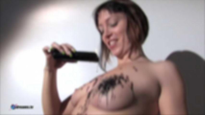 Tina's Sexy Photoshoot To Seduce The Photographer