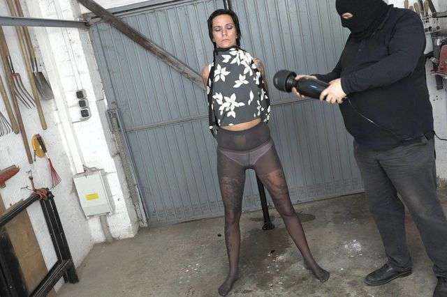Blow job in the pillory