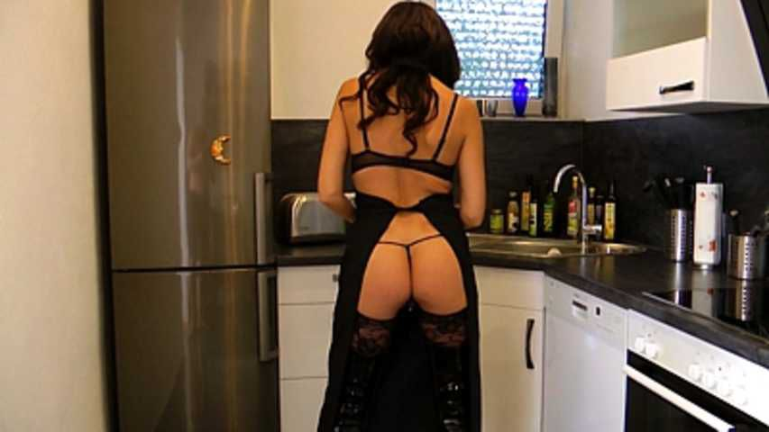 Aurora Z - Caught in the kitchen!