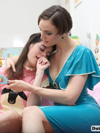 Babysitting ABDL girl Emma