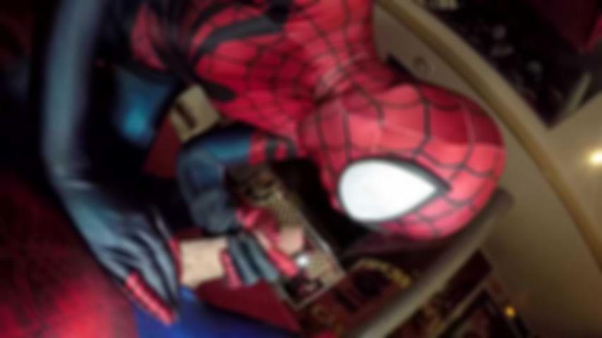 97 Natacha Guapa ist Spidergirl Creampie