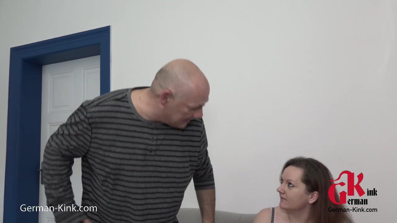 Papa zeigt meinem Freund wie man Fickt