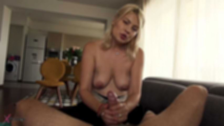 Jasmine Rouge Seduce Her Husband By Hand- & Blowjob