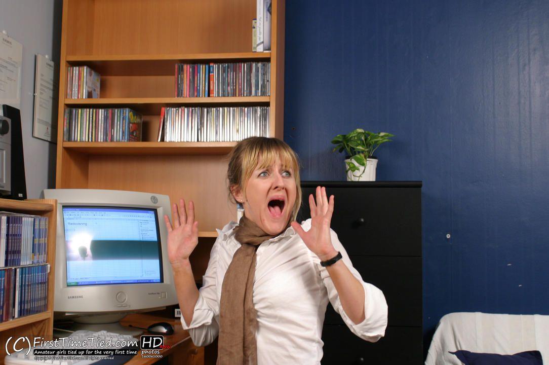 Anki the secretary tied up at the office - 1