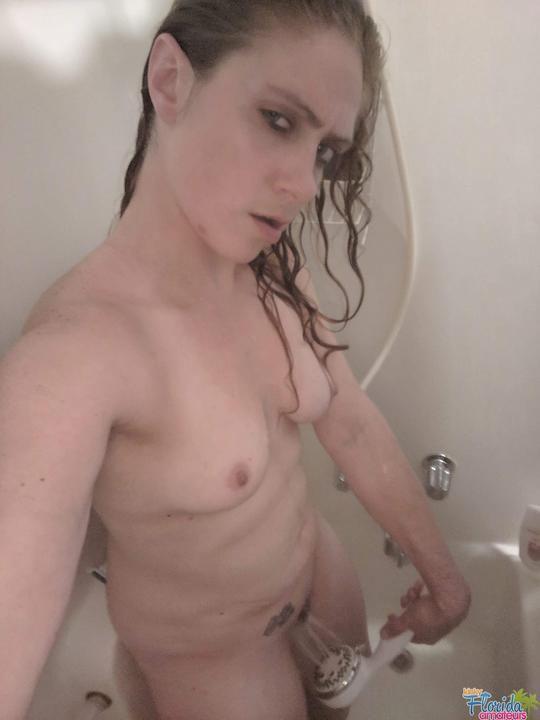 Kinky Amateur Irish Milf Molly Selfies