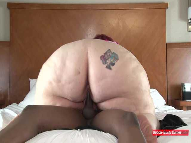 SQUIRTING FOR DUMMIES 2 - NIKKI CAKES Clip 3