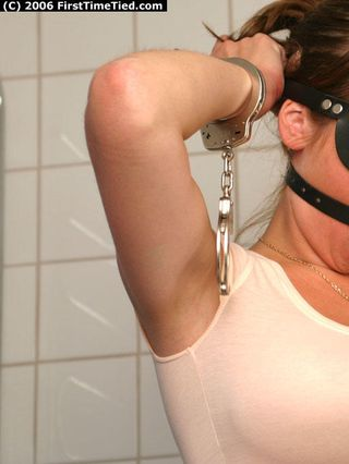 SELFBONDAGE FOR ELIN IN THE BATHROOM 1