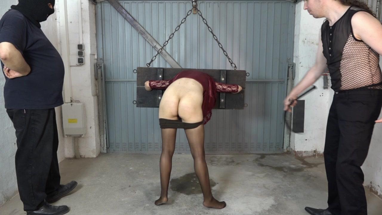 Slave girl Aiyana - spank ass
