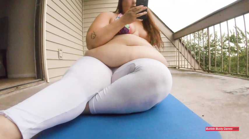 THE FATTY FITNESS 3 - STRAWBERRY CAKES Extended Clip 1