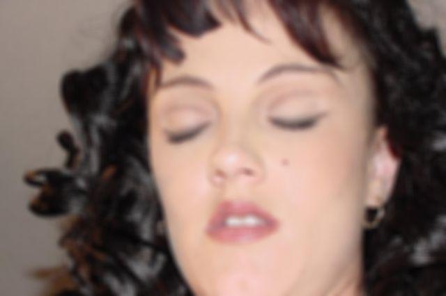 Amateur Milf Jessica Sucking And Fucking