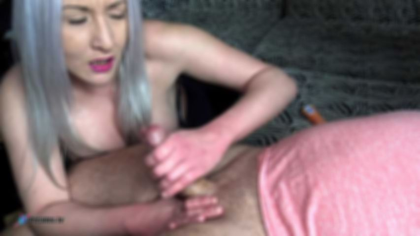 Candy, Milf With Granny Look Gives A Perfekt  POV Handjob