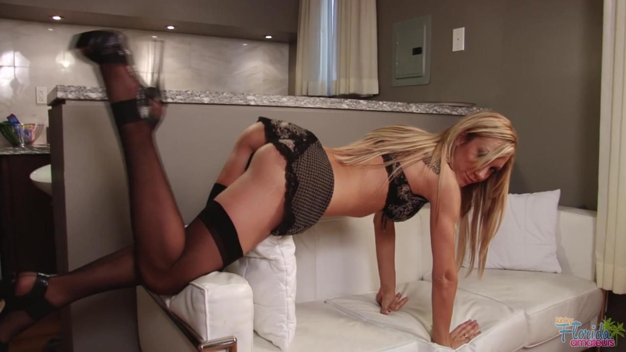 Kinky Milf Amy In Black Stockings