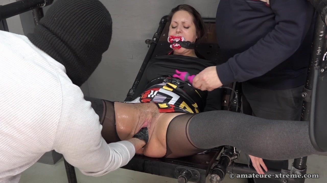 Samira - squirt Fisting