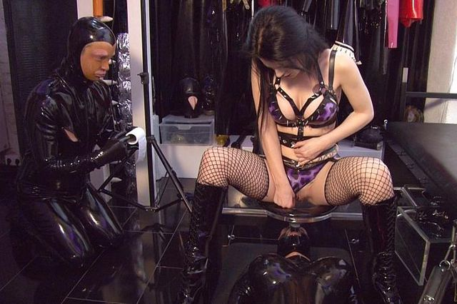 Lady Blackdiamoond - Die Gummipuppen Orgie Part3
