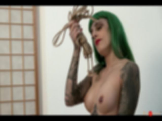 Bliss, in suspension - video 3/3