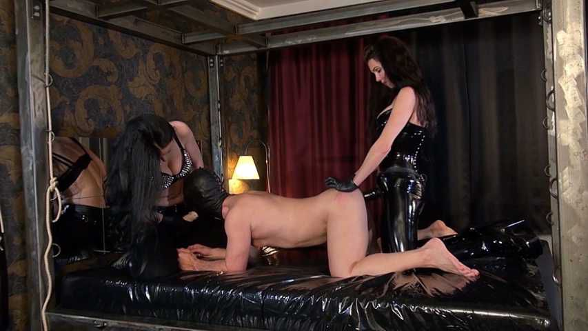 Mistress Susi und Lady Luciana - Doppelt gestopft