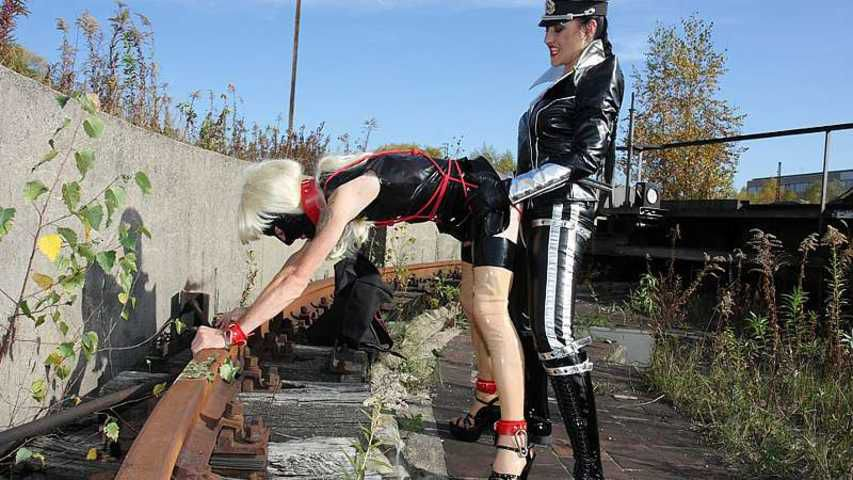 The Baroness - Exposed Rubber Sissy Slut