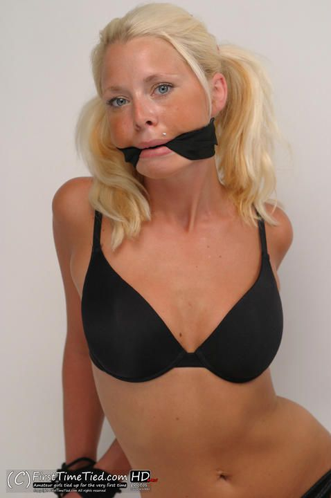 Paula tied up in black underwear and cleave gagged in the studio - 4