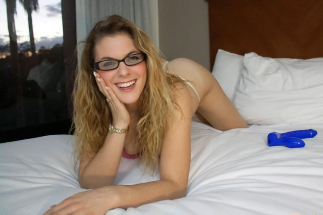Kinky Amateur Kendra In Her Glasses Fucking Her Big Blue Dildo