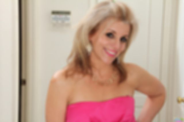 Amateur Milf Sami Stripping Out Of Her Pink Dress