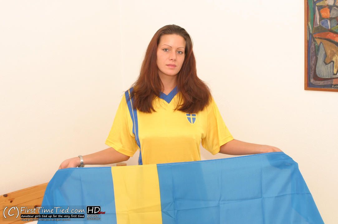 Lina the swede tied up topless in bed - 1