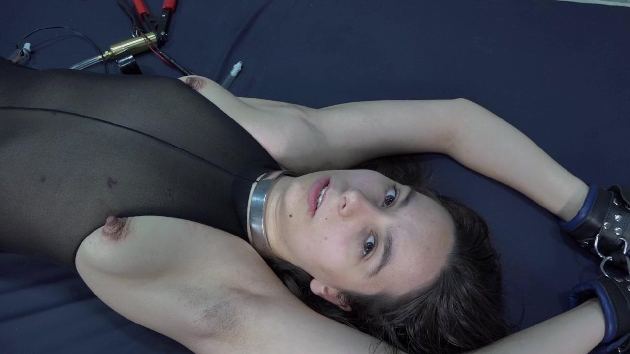 Aijana - nylon bitch