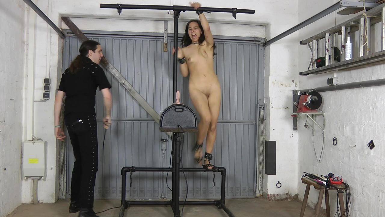 Slavegirl Aijana - Sybian ride