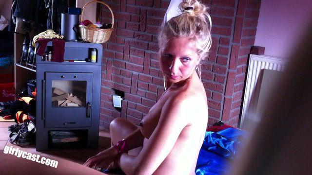 Dina´s zweites privates XXX Video - BDSM