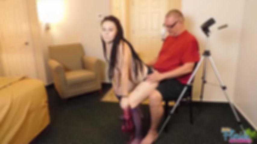 Kinky Teen Jessica Brown Twerking Nude