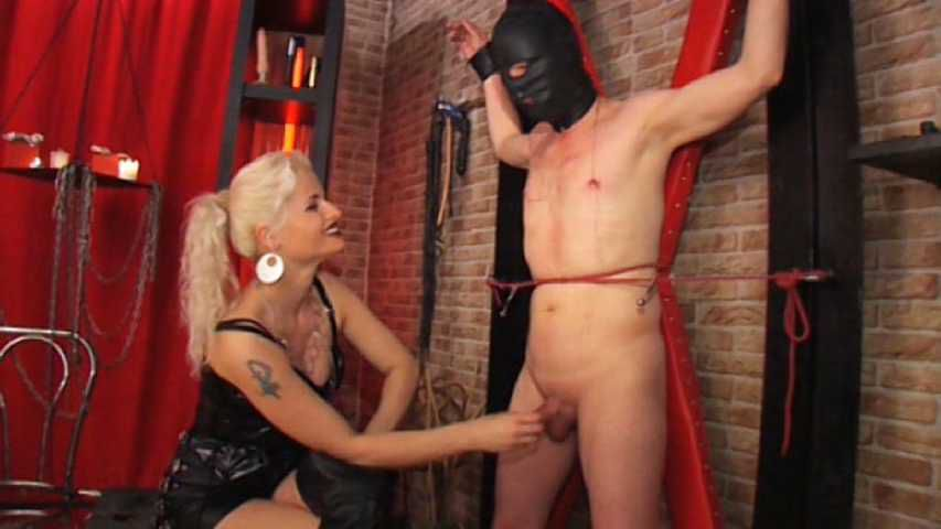 Syonera von Styx - Extreme dick and nipples play Part 2