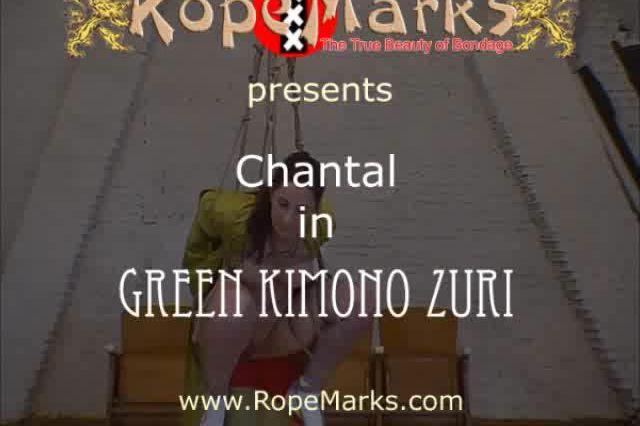 Chantal in green kimono zuroi
